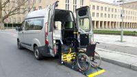 Behindertengerechter Ford Custom Mietwagen