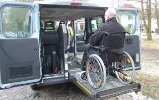 Mietfahrzeug Rollstuhlgerecht für Behinderte in Berlin