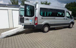 Mietwagen für Rollstuhlfahrer - Ford Transit mit Ausklappbarer Rampe