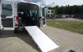 Transit GT 6 Ausklappbare Rampe für Rollstuhlfahrer