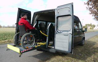 Lift Mietfahrzeug für Rollstuhlfahrer Berlin