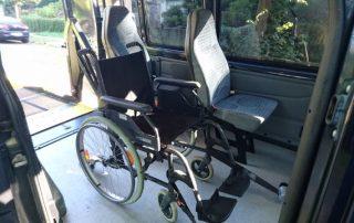Rollstuhlplatz Ford Transit mit Rollstuhl Berlin