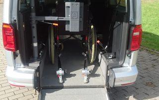 Kopf und Rückenstütze, Behindertengerechte Mietwagen